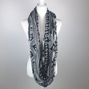 Charlotte Russe Black & White Infinity Scarf